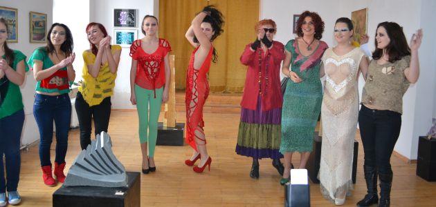 prezentare de arta vestimentara un martie de poveste lugoj 2013 (1)