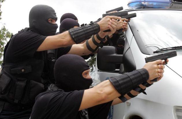 DIICOT FBI actiune, traficantii de migranti mexic craiova valcea pitesti bucuresti clanuri mafiote lugojeanul 2013