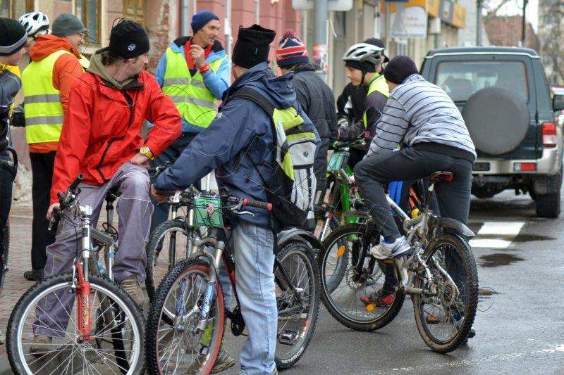 foto stafeta prieteniei lugoj politia biciclisti 2013 lugojeanul (3)