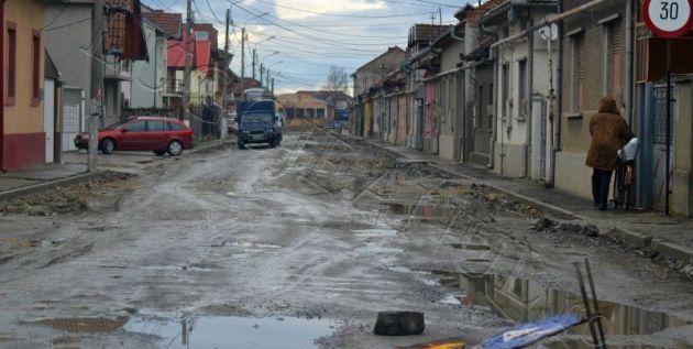 gropi foto lugoj c wallisch tudor vladimirescu romanilor padesului lugojeanul 2013 (1)