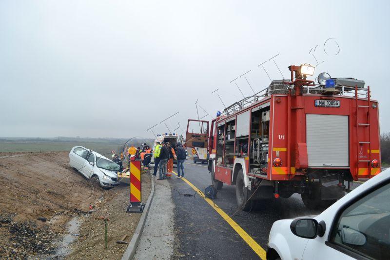 accident grav traian vuia timis lugojeanul 2013 3 aprilie victima incarcerata masina distrusa (6)