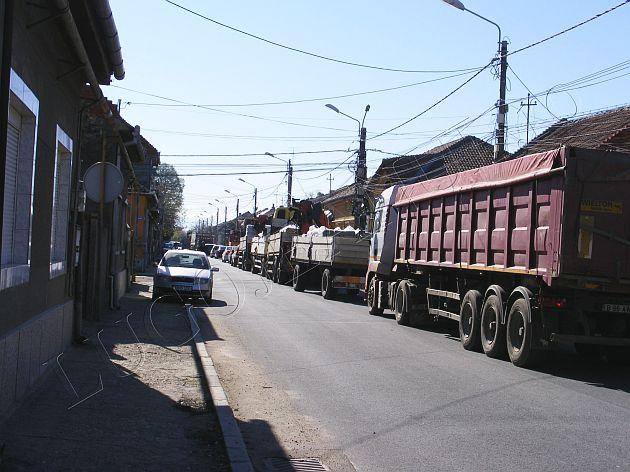 lugojul paralizat in urma devierii traficului pe strazile laturalnice de catre itl in oras lugojeanul 2013 24 aprilie foto (4)