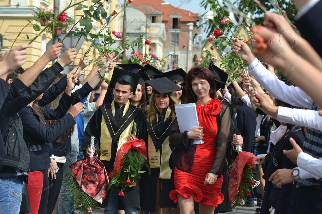 absolvire-colegiul-brediceanu-2013-lugojeanul-29-mai-festivitatea-de-premiere-5