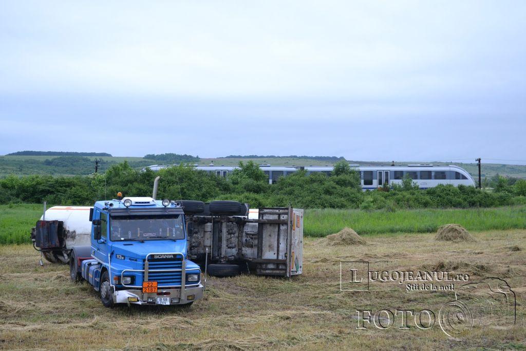 accident-costeiu-cisterna-parcata-pe-tarla-23-mai-2013-lugojeanul-foto-4