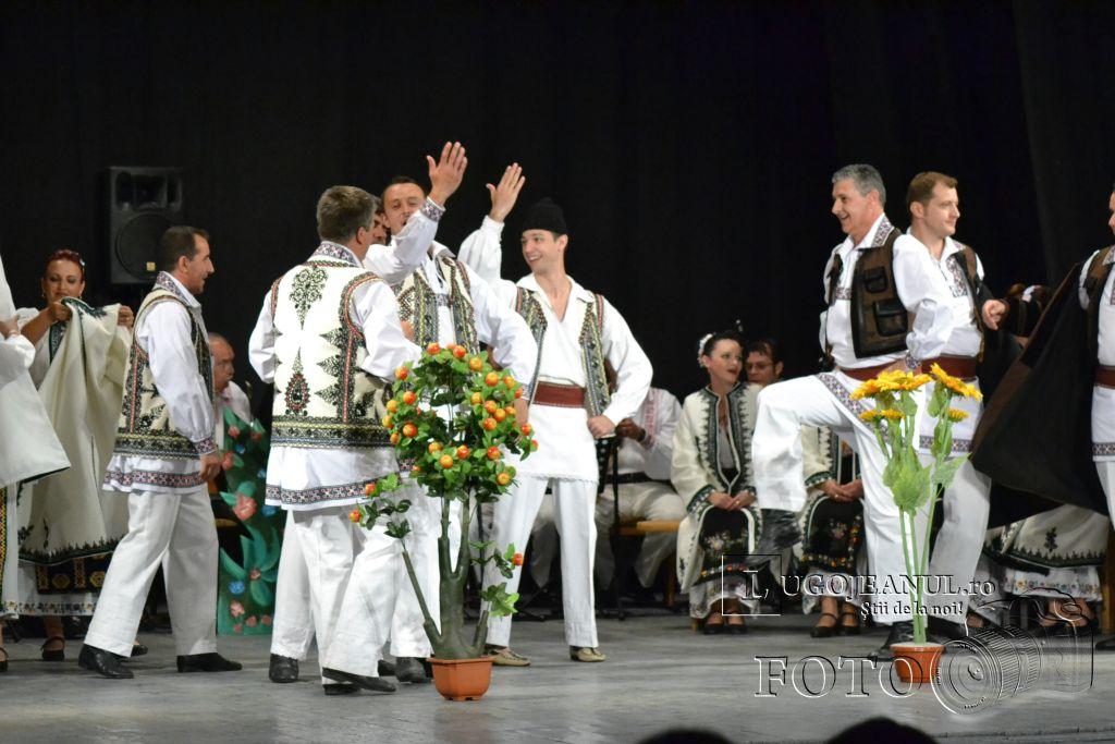 ansamblul-banatul-la-lugoj-teatrul-municipal-traian-grozavescu-9-mai-2013-lugojeanul-2