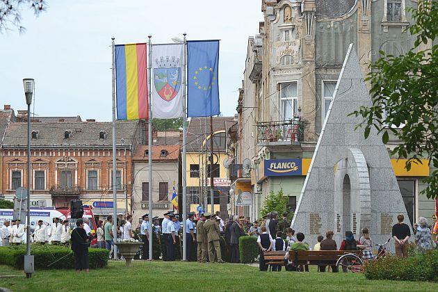 ziua europei ziua victoriei lugoj foto galerie coroane parada militara fanfara lugojeanul 2013 (1)