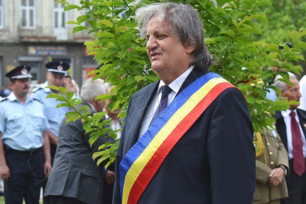 ziua europei ziua victoriei lugoj foto galerie coroane parada militara fanfara lugojeanul 2013 (2)