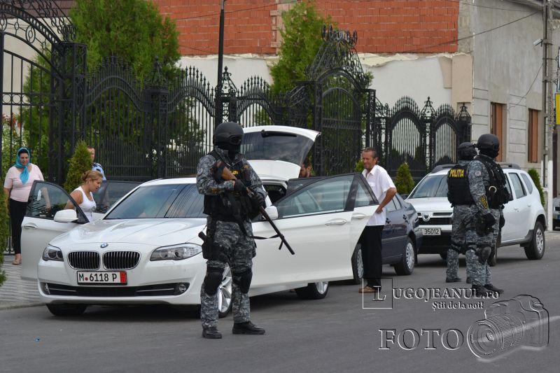 foto descinderi lugoj 17 august 2013 viscol mascati pistoale trupe speciale politia lugojeanul 2013 (13)