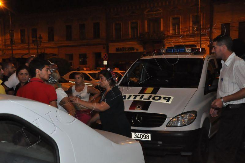 scandal romi politia lugoj au intrat in sediu foto galerie lugojeanul 2013 exclusiv (1)