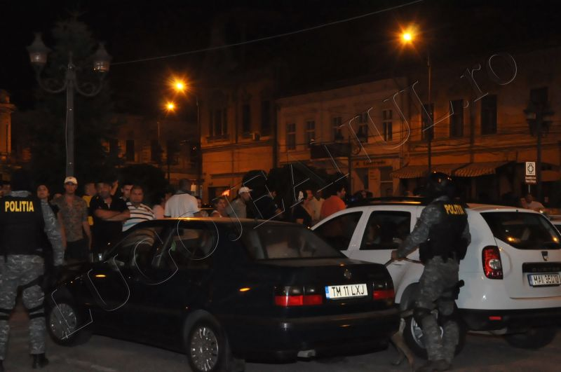 scandal romi politia lugoj au intrat in sediu foto galerie lugojeanul 2013 exclusiv (3)