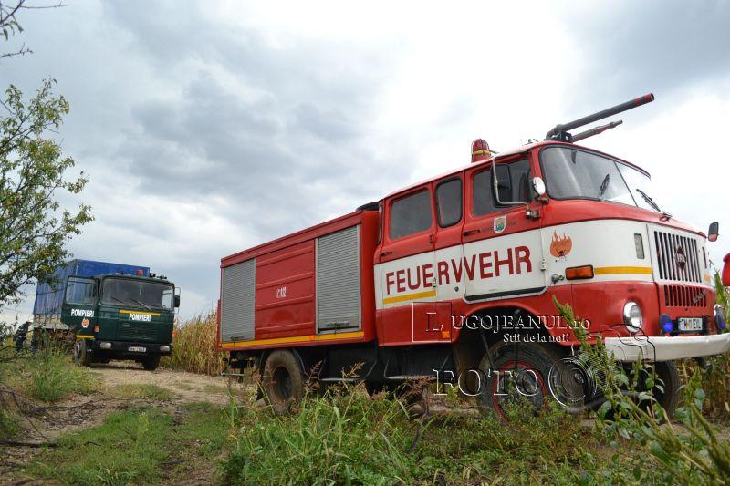 pompieri salvare belint barca doi oameni tractor rasturnat lugojeanul 2013 foto (1)