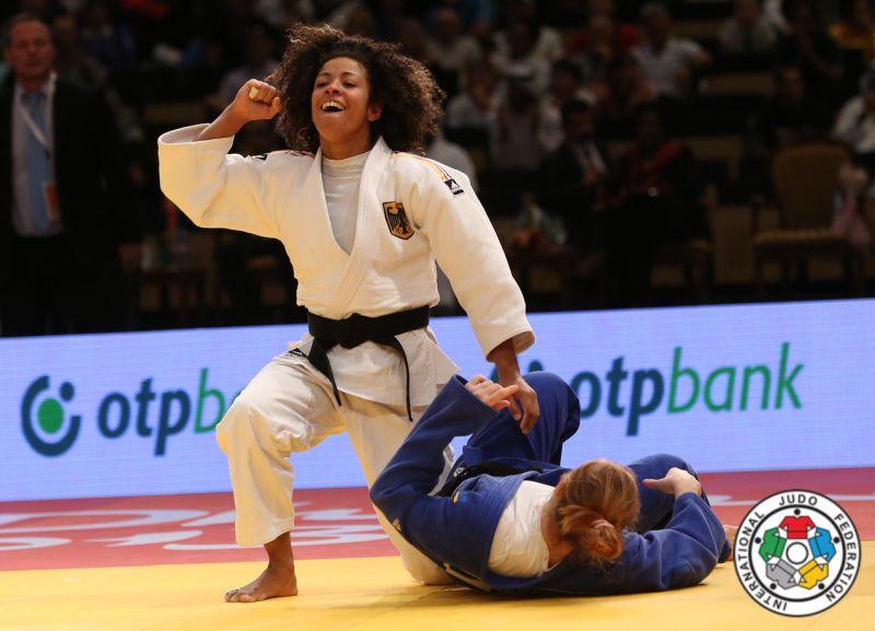 corina caprioriu argint abu dhabi grand prix judo lugojeanca (4)