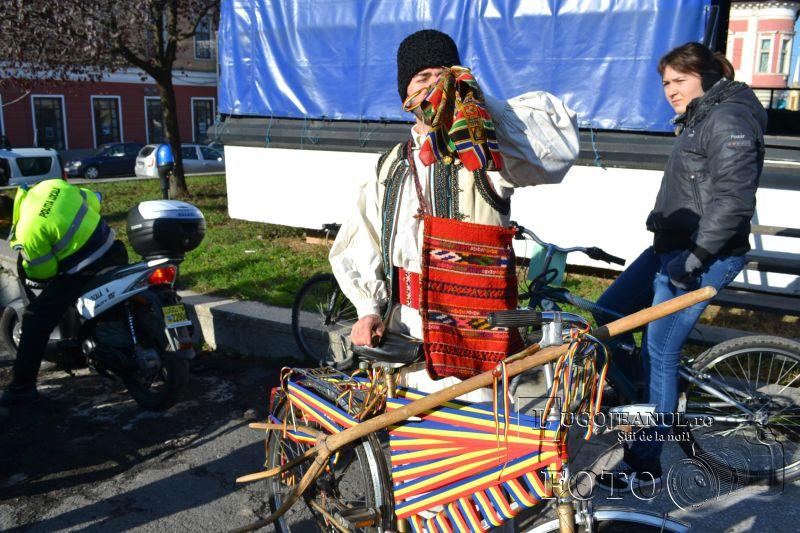 lugojul pedaleaza de 1 decembrie 2013 ziua nationala a romaniei la lugoj foto galerie biciclisti lugojeanul (12)