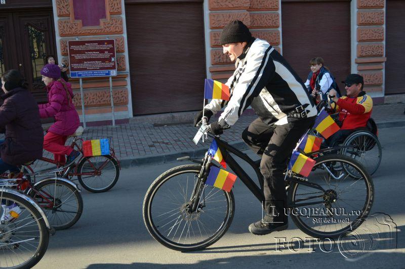 lugojul pedaleaza de 1 decembrie 2013 ziua nationala a romaniei la lugoj foto galerie biciclisti lugojeanul (22)