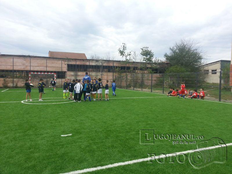 teren sintetic fotbal inaugurare noiembrie 2013 lugojeanul (1)