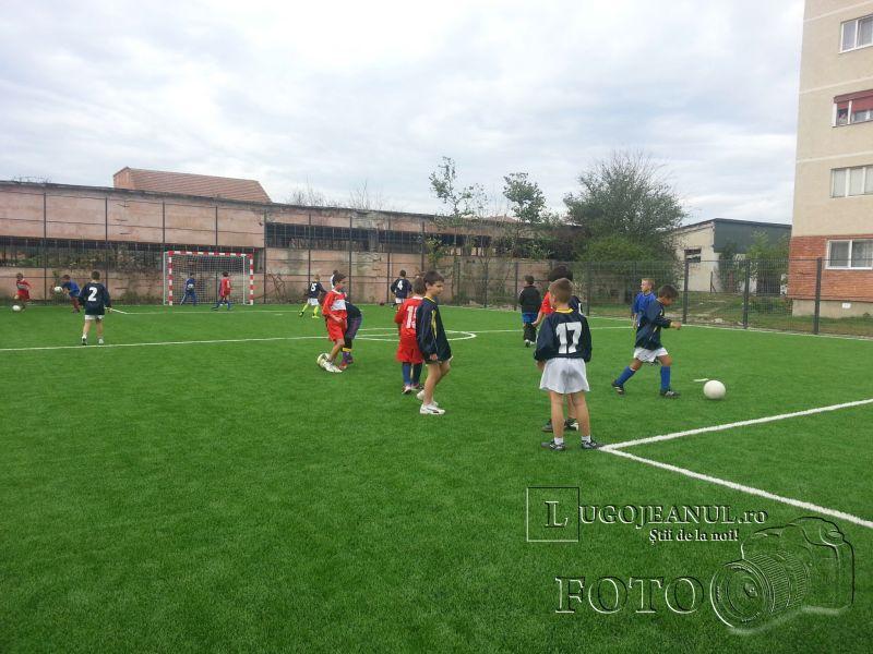 teren sintetic fotbal inaugurare noiembrie 2013 lugojeanul (5)