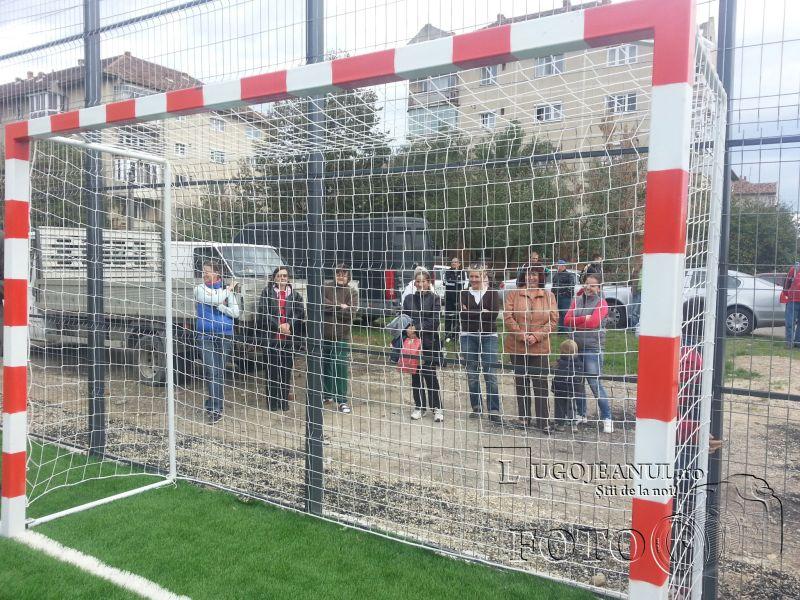 teren sintetic fotbal inaugurare noiembrie 2013 lugojeanul (9)