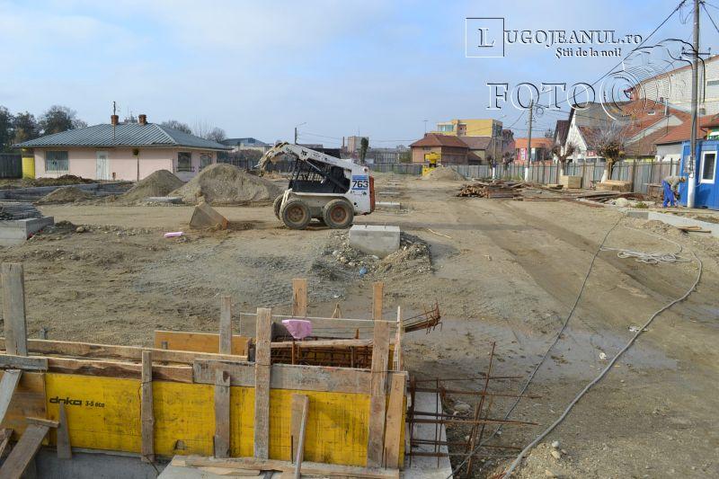 transport agabaritic la Lugoj stalpi piata renovata 18 noiembrie 2013 lugojeanul (9)