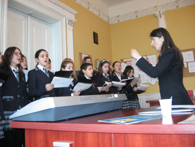 concert de colinde vestim nasterea 2013 biserica cu doua turnuri lugoj 12 decembrie lugojeanul