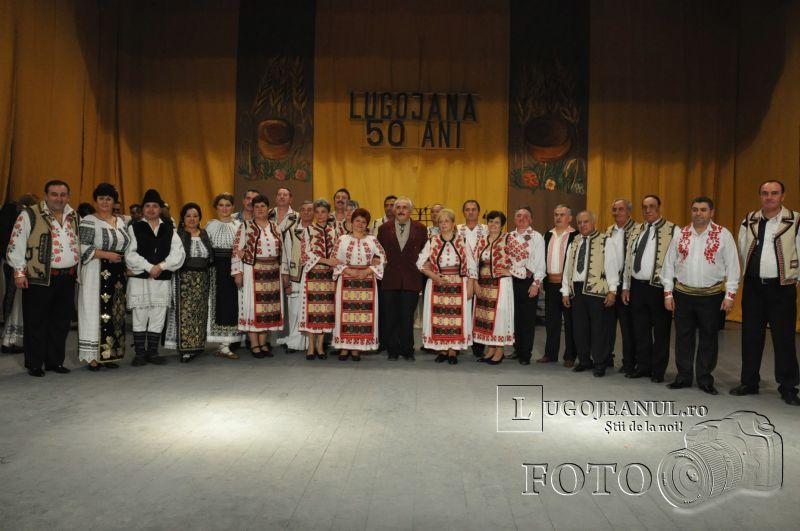 dansuri ansamblul lugojana 50 de ani lugojeanul 2013 foto (1)