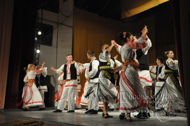dansuri ansamblul lugojana 50 de ani lugojeanul 2013 foto (14)