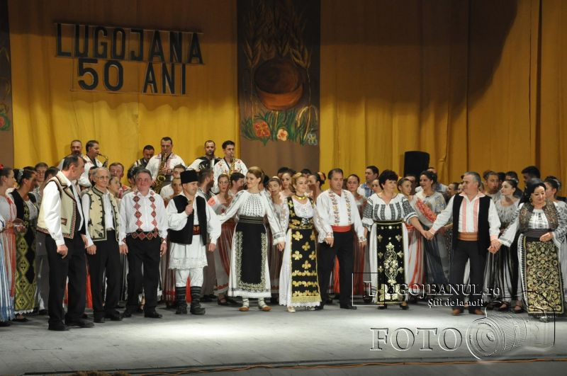 dansuri ansamblul lugojana 50 de ani lugojeanul 2013 foto (34)