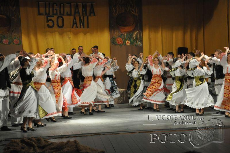 dansuri ansamblul lugojana 50 de ani lugojeanul 2013 foto (8)