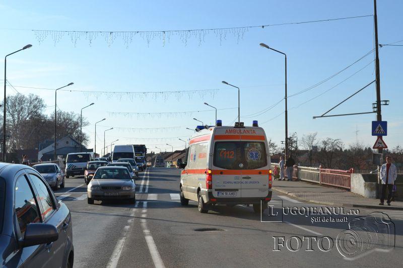 accident universitate biciclist lovit masina nerespectare reguli 6 decembrie 2013 lugojeanul foto (10)