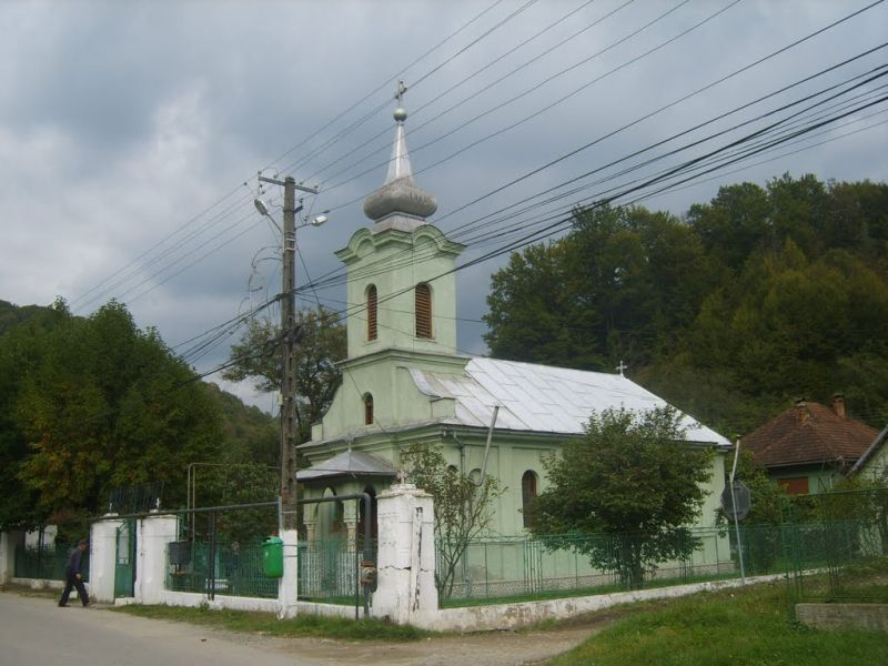 biserica nadrag hot cutia milei