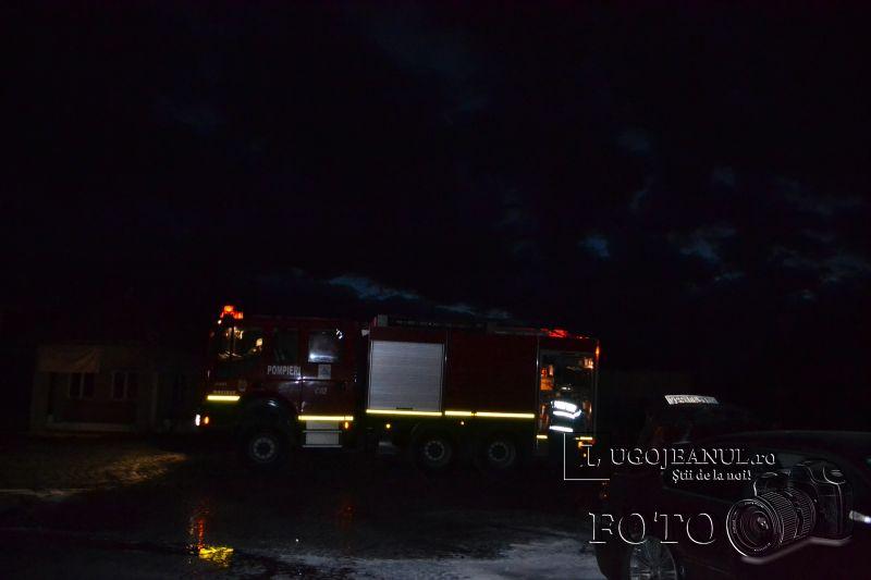 incendiu bmw timisorii duminica 12 ianuarie 2013 foto lugojeanul (5)