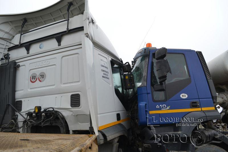 accident centura lugojului cisterna versus tir tehnocer compact balastiera foto lugojeanul februarie 2014 (13)