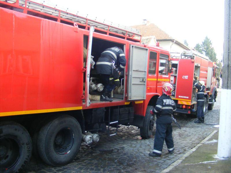 incendiu lugoj strada pandurilor 10 februarie afumatoare (2)