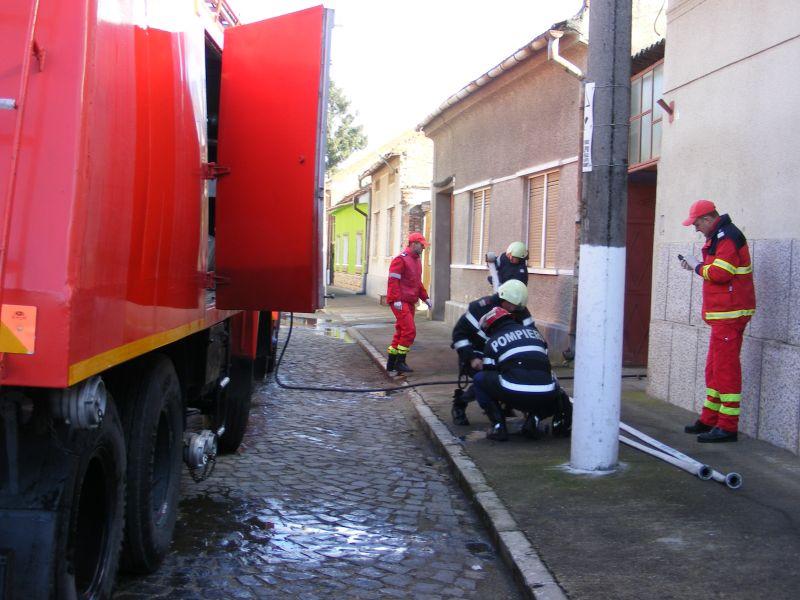 incendiu lugoj strada pandurilor 10 februarie afumatoare (3)