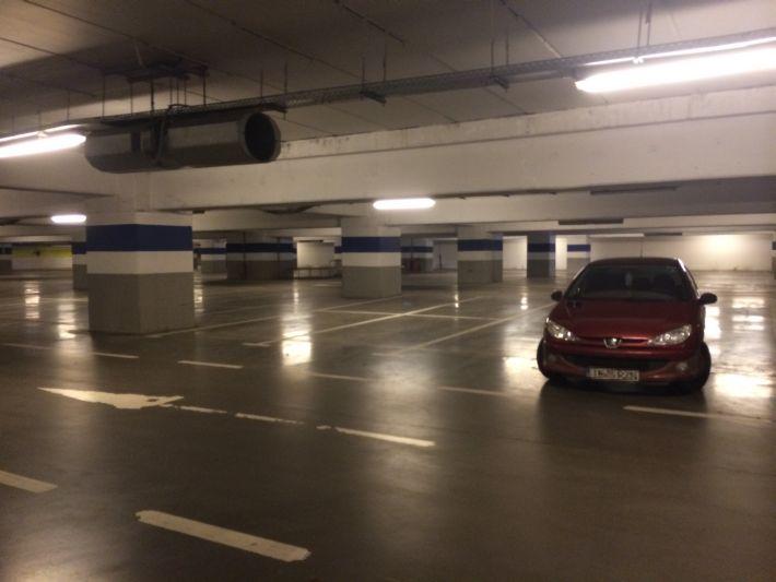 parcare-albastra-aproape-goala-iulius-mall