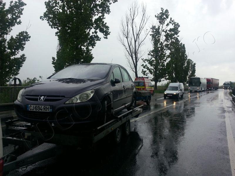 accident grav costeiu 22 aprilie 2014 pod bega ford autoutilitara foto lugojeanul (6)