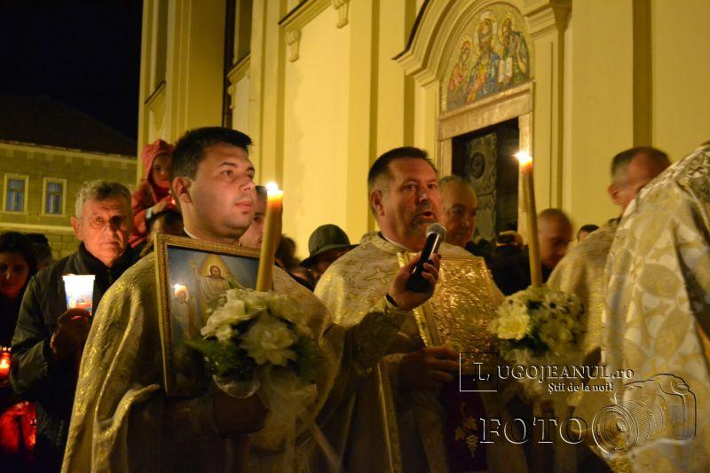 hristos a inviat paste lugoj 2014 biserica adormirea maicii domnului lumina sfanta foto galerie lugojeanul (14)