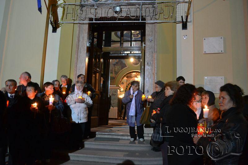 hristos a inviat paste lugoj 2014 biserica adormirea maicii domnului lumina sfanta foto galerie lugojeanul (17)
