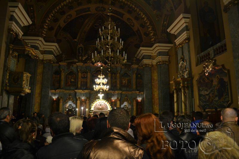 hristos a inviat paste lugoj 2014 biserica adormirea maicii domnului lumina sfanta foto galerie lugojeanul (2)