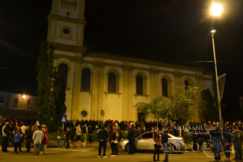 hristos a inviat paste lugoj 2014 biserica adormirea maicii domnului lumina sfanta foto galerie lugojeanul (5)