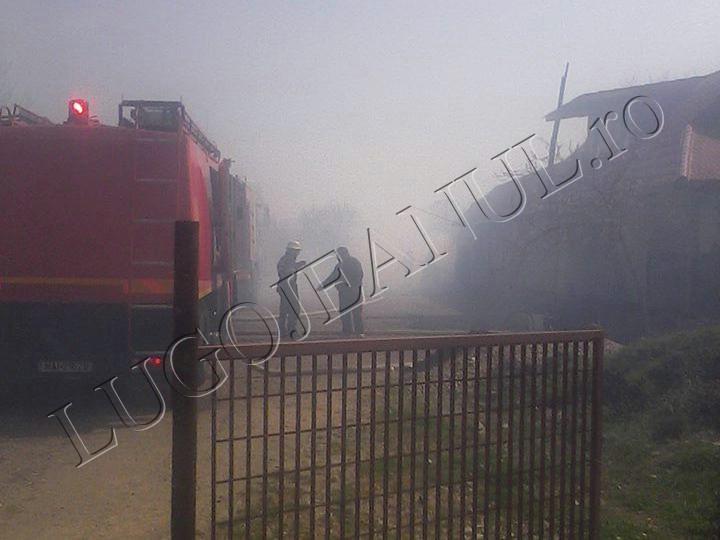 incendiu jena 3 aprilei 2014 foto casa anexa 11 copii familie (1)