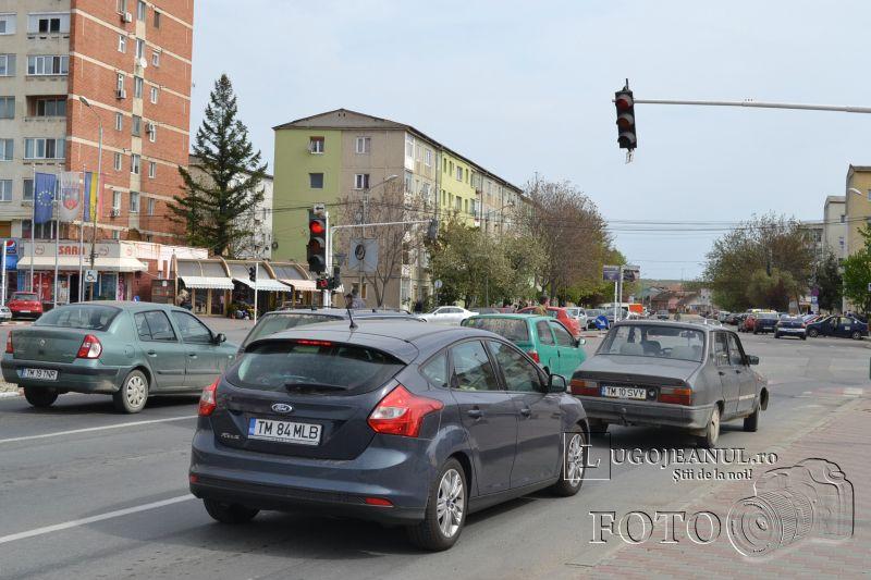 masina blocheaza strada unic duminica 5 aprilei 2014 foto lugojeanul (3)