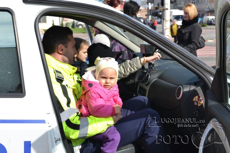 politia rutiera lugoj la scoala altfel gradinita pp 5 foto 10 aprilie 2014 (1)