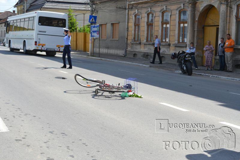 accident catedrala lugoj biciclist vs motociclist 9 mai 2014 lugojeanul foto (6)