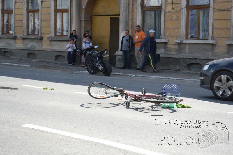 accident catedrala lugoj biciclist vs motociclist 9 mai 2014 lugojeanul foto (8)
