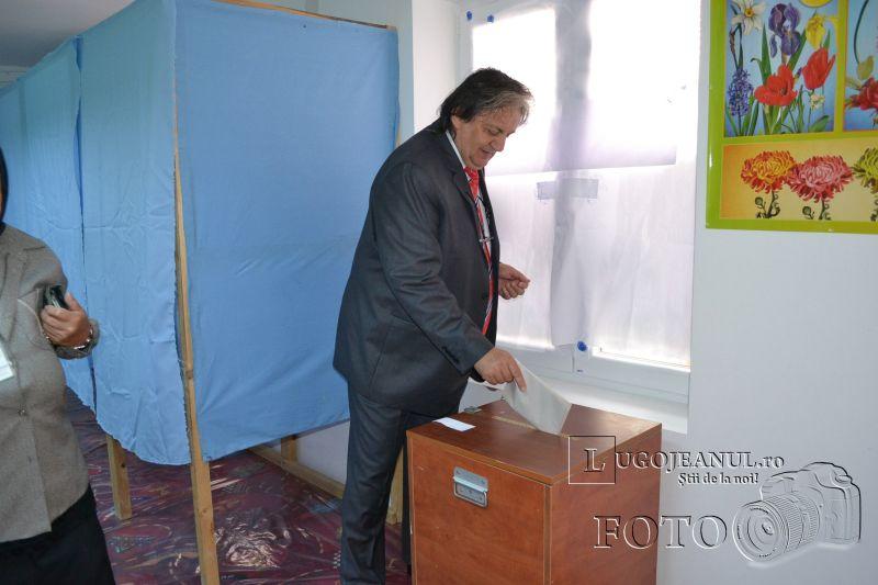 alegeri europarlamentare lugoj 2014 foto galerie voturi francisc boldea votare lugojeni (1)