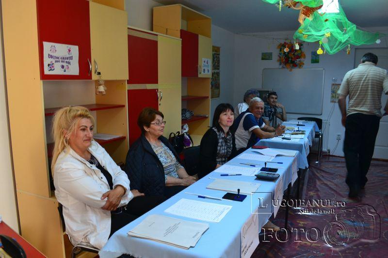 alegeri europarlamentare lugoj 2014 foto galerie voturi francisc boldea votare lugojeni (3)