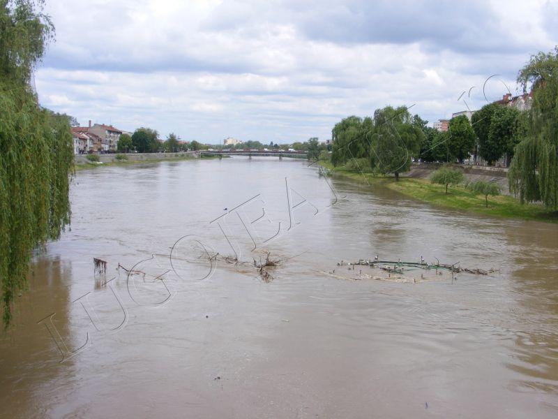 crengi fantana lui boldea lugoj timis rau umflat inundatii alerta foto galerie lugojeanul 5 mai 2014 (3)