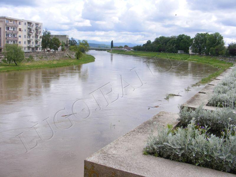crengi fantana lui boldea lugoj timis rau umflat inundatii alerta foto galerie lugojeanul 5 mai 2014 (4)