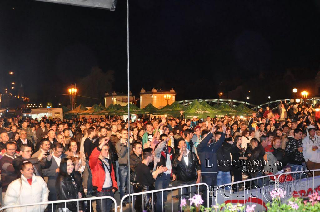 festivalul berii lugoj 2014 sarbatoarea berii lugoj 2014 ziua 3 aleksandra muzica sarbeasca public foto lugojeanul copyright (32)