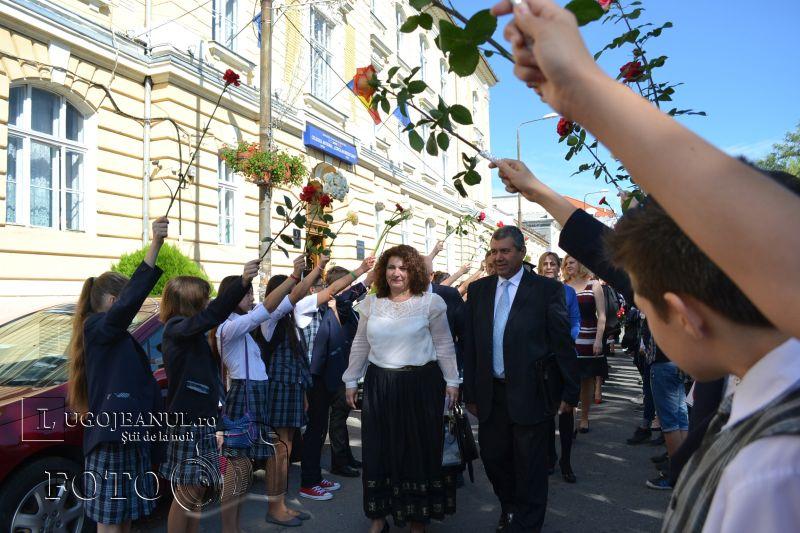 final de promotie coriolan brediceanu lugoj festivitatea de premiere 29 mai 2014 lugojeanul foto (2)